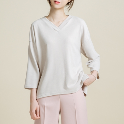 Basic High-Low Hem V-Neck Top