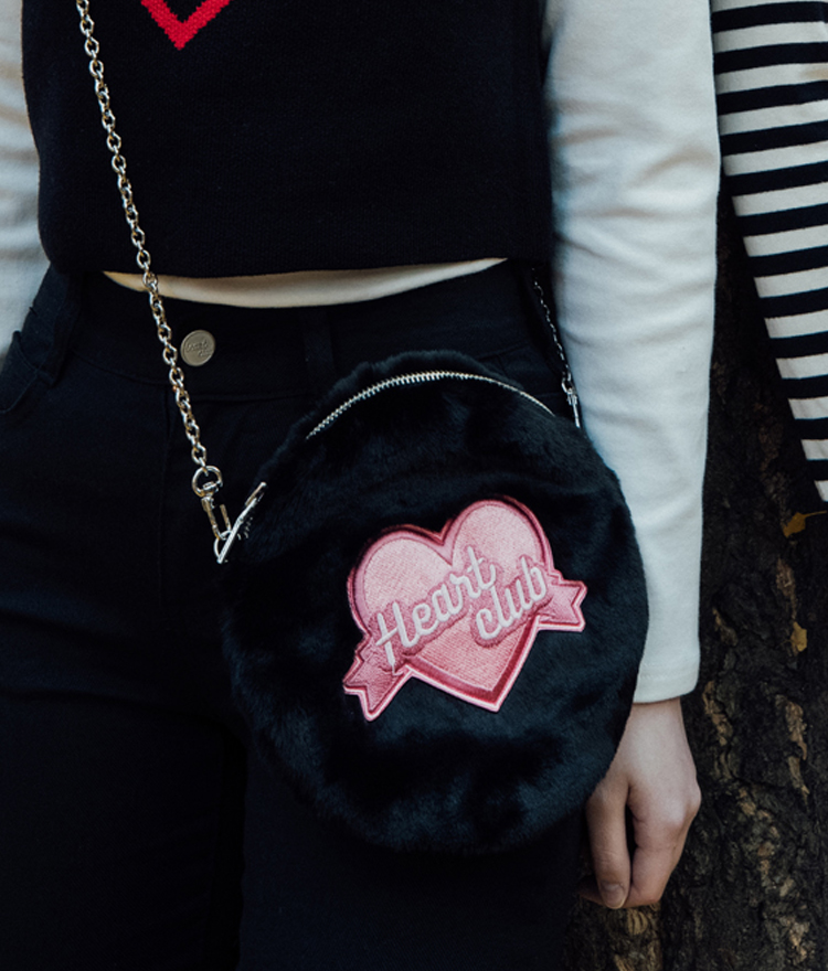 HEART CLUBEmbroidered Logo Faux Fur Round Mini Bag