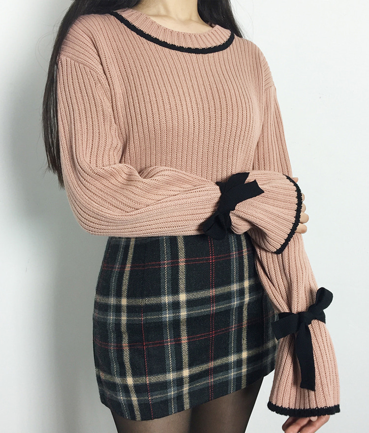 Ribbon Detailed Sleeves Knit Sweater