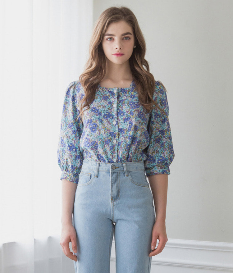 ROMANTIC MUSEPuff Sleeve Floral Blouse