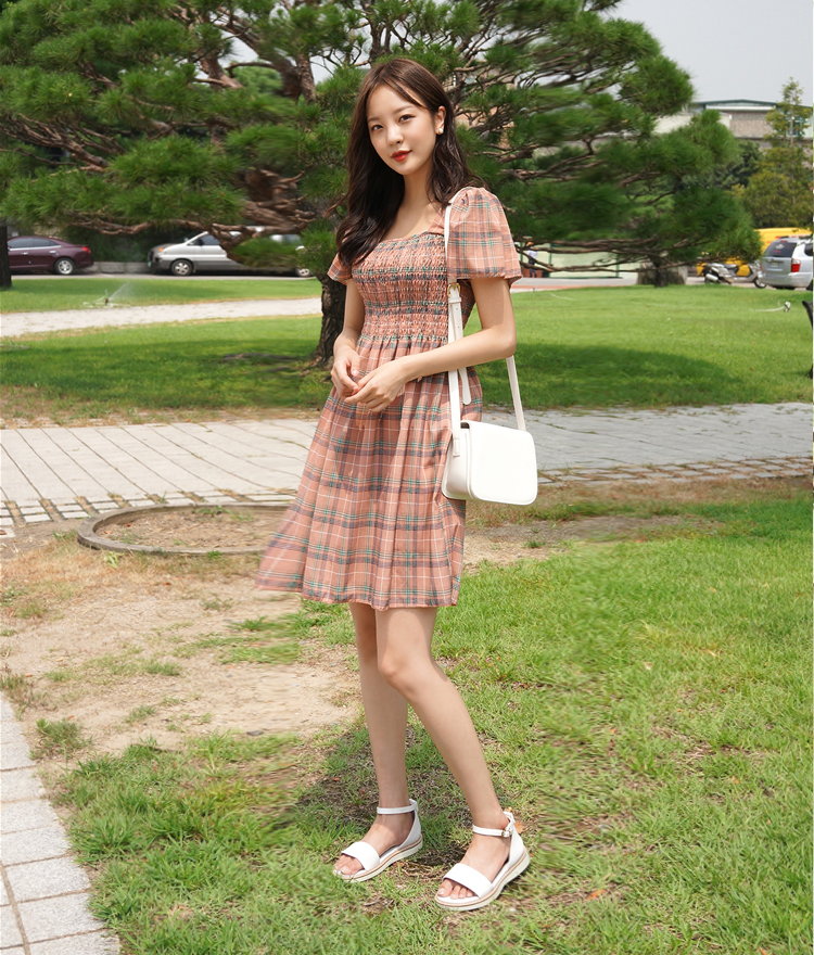 ROMANTIC MUSESquare Neck Puff Sleeve Check Dress