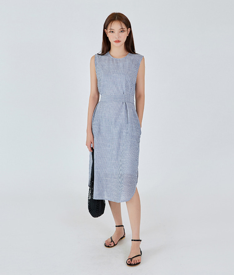 ESSAYSleeveless Stripe Dress