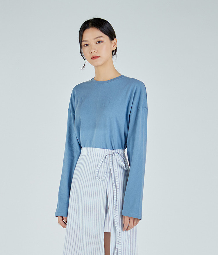 ESSAYLong Sleeve Drop Shoulder Top