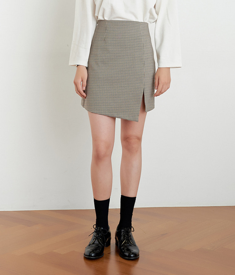 ESSAYAsymmetrical Hem Straight Cut Check Skirt