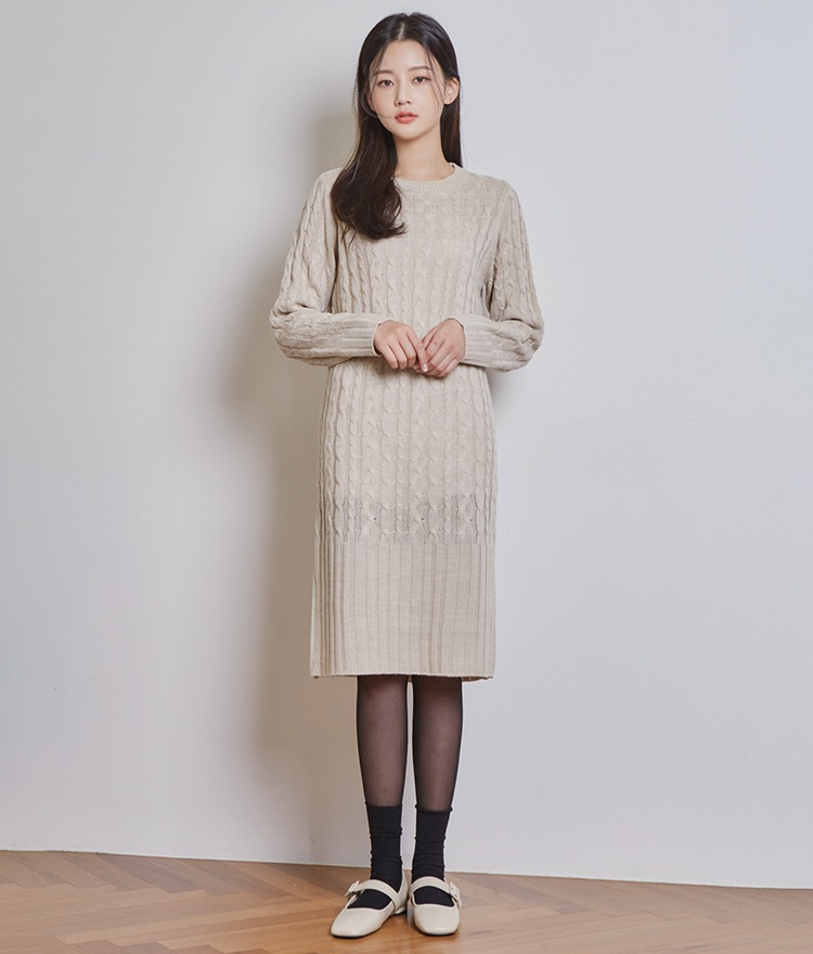 ESSAYBack Slit Cable Knit Dress