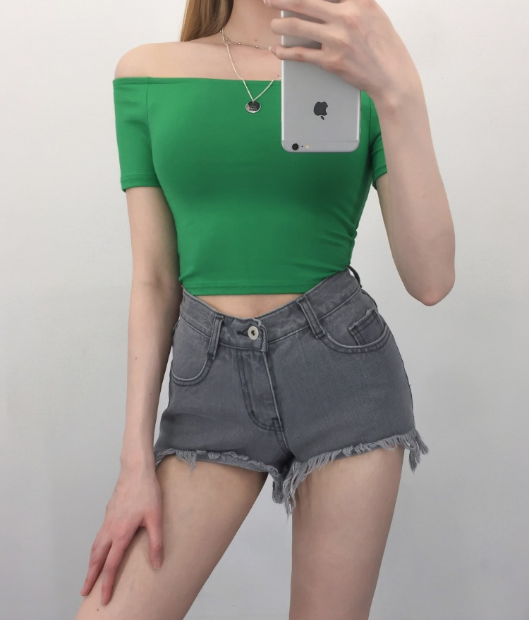 QUIETLABOff-Shoulder Slim Fit Crop Top