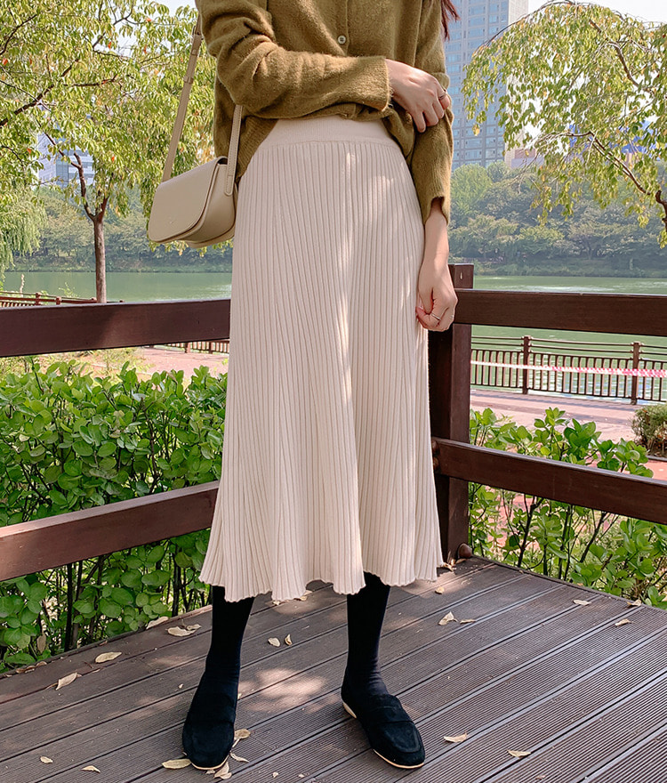 ESSAYPleated Ribbed Knit Skirt