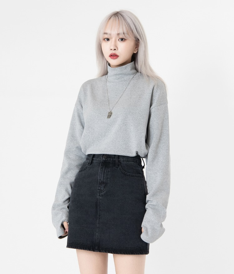 NEVERM!NDExtended Sleeve Turtleneck T-Shirt