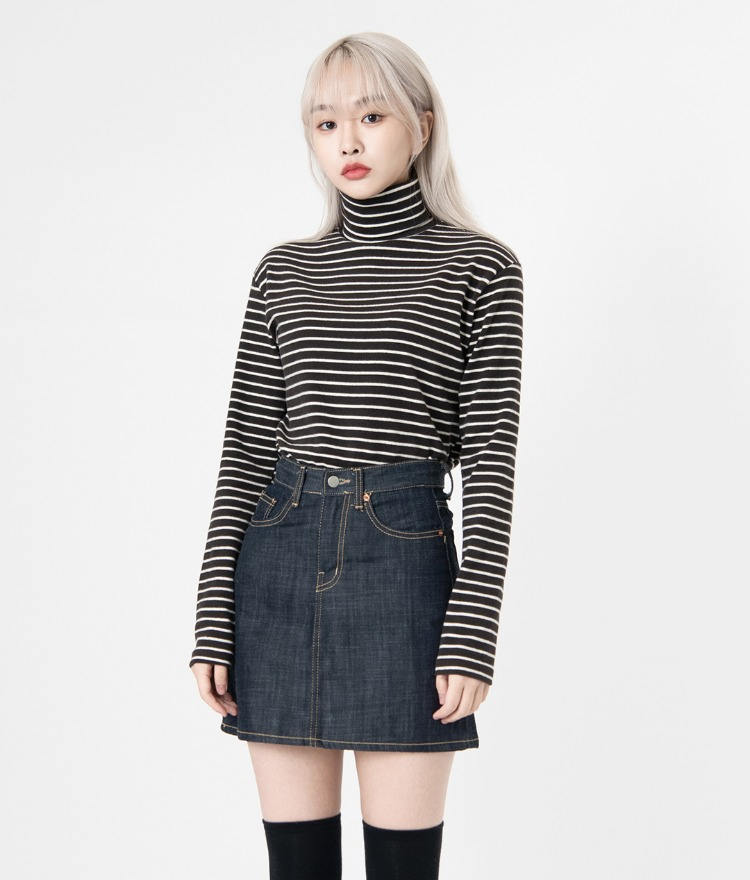 NEVERM!NDTurtleneck Striped T-Shirt
