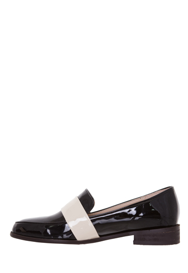 Two-Tone Pointed Toe Loafers